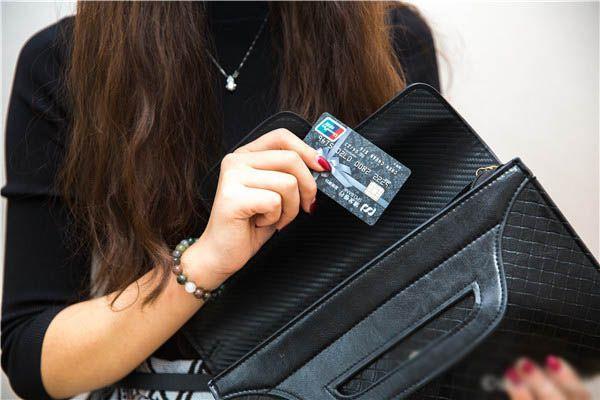 用友U8如何控制不能用储值卡买储值卡